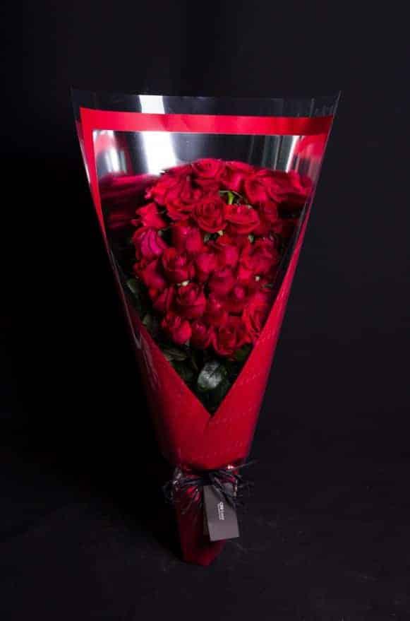 A04RPRR01摯愛紅玫長形花束 (1)