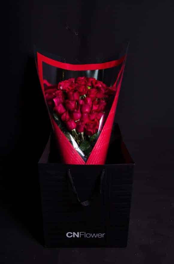 A04RPRR01摯愛紅玫長形花束 (6)