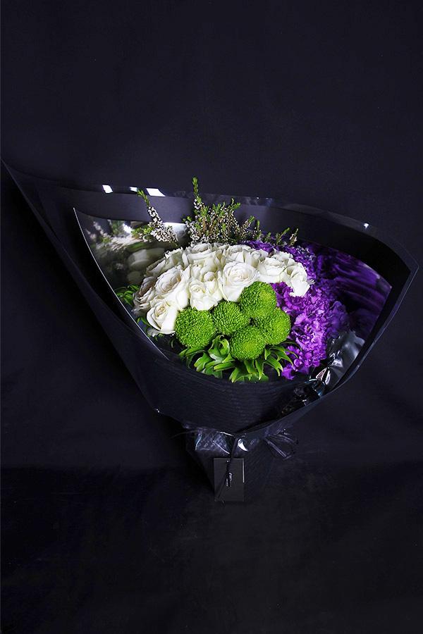 A04KPWL01豔紫白玫花束3000 (11)