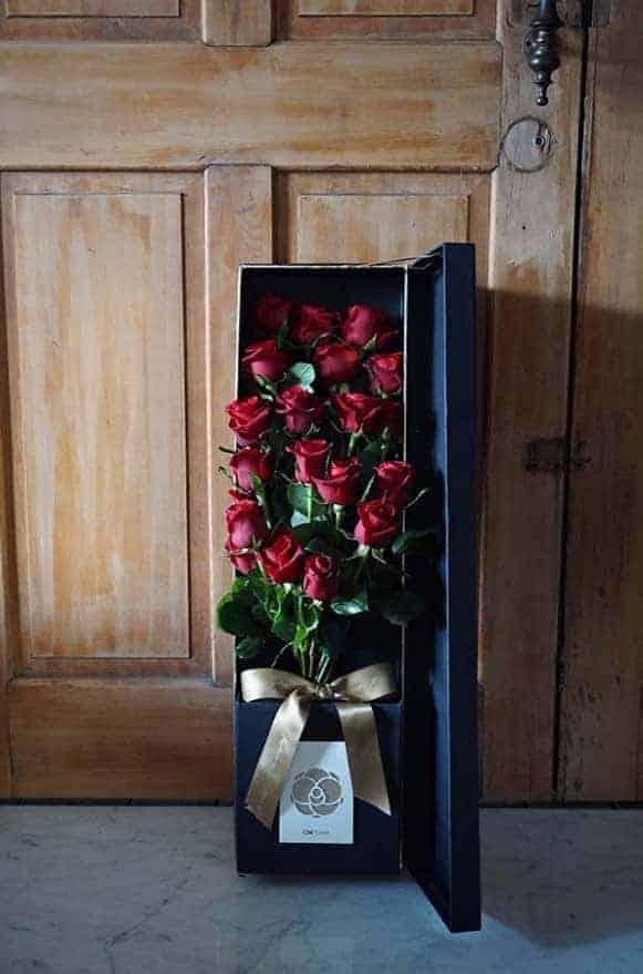 金邊長禮盒-紅玫摯愛-1