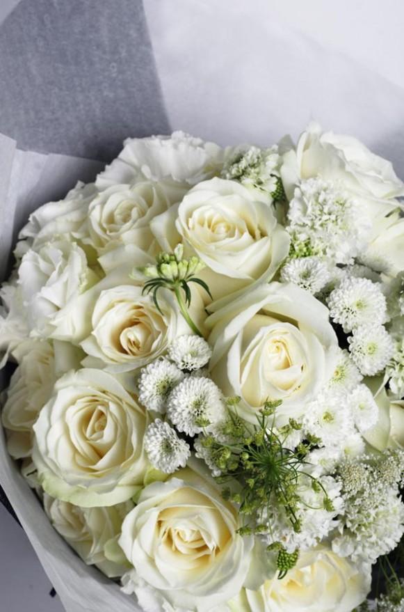 A10KPFF08甜筒系列-白紡蕾絲花束2800-3