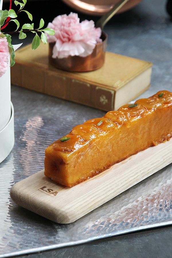A10MD1916【CNFlower x 珠寶盒法式點心坊 】甜蜜生活- 康乃馨款 蛋糕花禮 2880-7