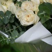 A09PPFF05純白玫瑰花束12000(2)