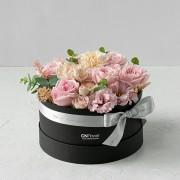 A0100190798_輕甜玫瑰 中黑圓禮盒_2800 (2)