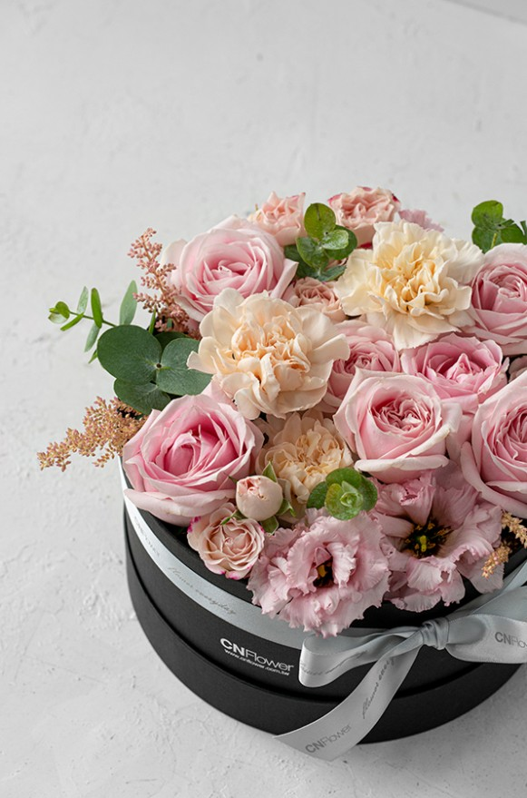 A0100190798_輕甜玫瑰 中黑圓禮盒_2800 (6)