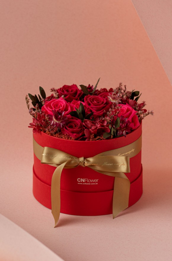 C0100190792_紅色甜心 恆星花禮盒_3800(1)