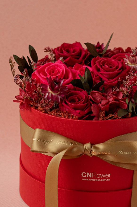 C0100190792_紅色甜心 恆星花禮盒_3800(2)