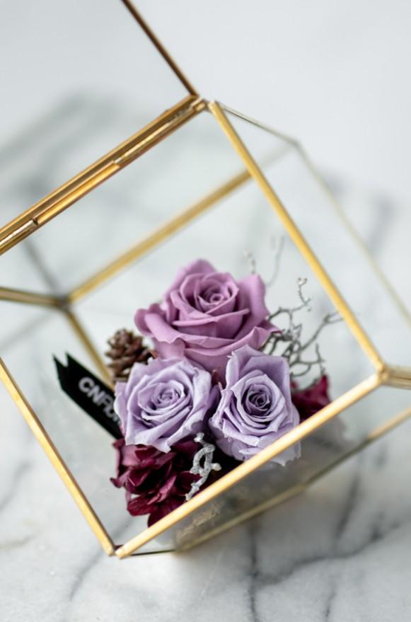 C0102191199 藍+ C0102191198紫 _瑰麗冬日-金邊花器(斜口)_2200 (2)