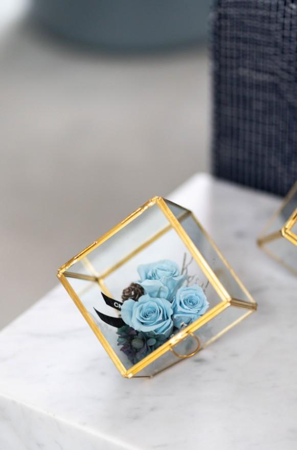 C0102191199 藍+ C0102191198紫 _瑰麗冬日-金邊花器(斜口)_2200 (8)