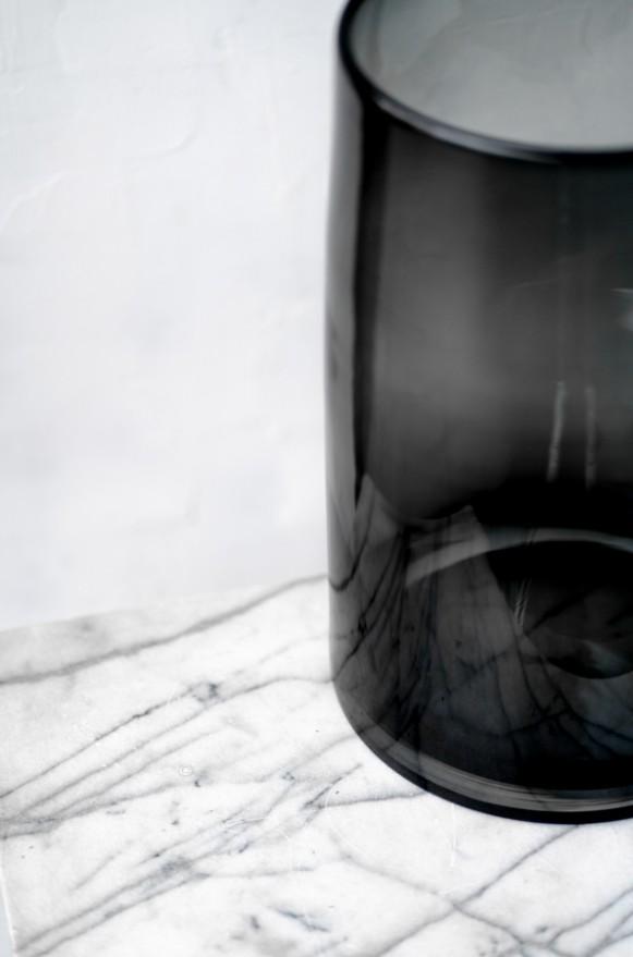 LSA-G157442847_曲線收口玻璃花器(半透黑H42)_9800 (4)